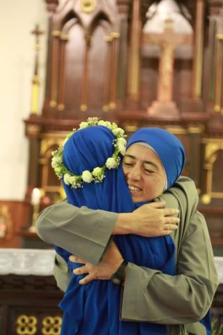 Mother Victorias congratulated Sr. Jinjiao for vowing to become a spouse of Christ forever