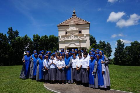 after the ceremony of the profession all the sisters took a group picture with great joy