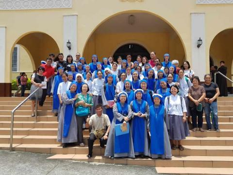Group pictures outside Our Lady of Mt Carmel Church, Lipa
