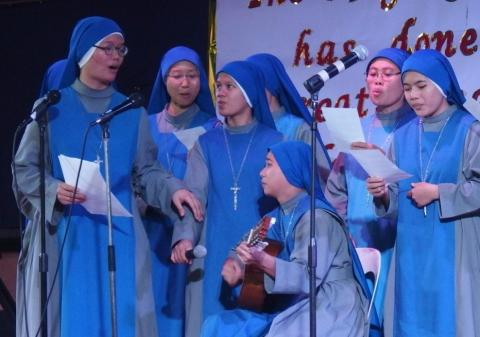 Juniorate sisters singing for our youth