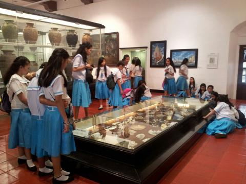 home school students were interested in the items used by the missionaries